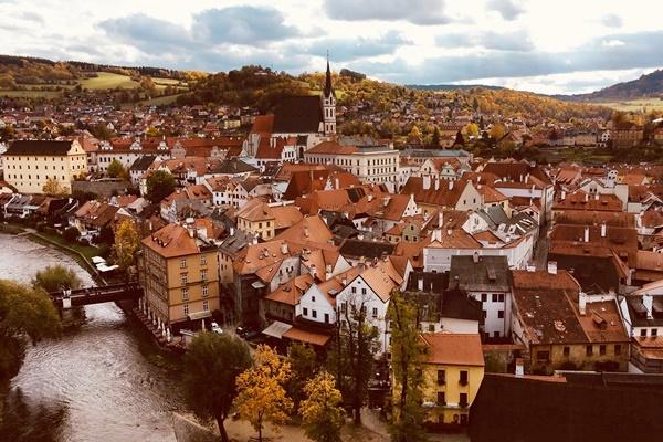 チェスキー・クルムロフの観光と歴史 世界遺産 Cesky Krumlov チェコ
