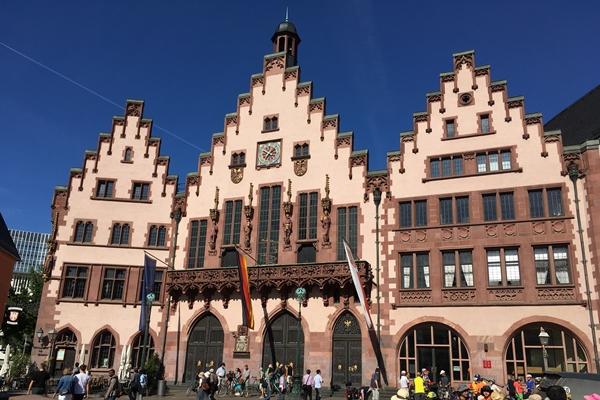 旧市庁舎レ―マー