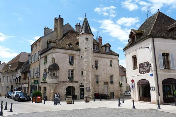 ボーヌの観光 フランス ブルゴーニュワインの町 (Beaune)
