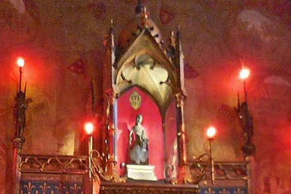 ロカマドゥールの黒い聖母子像