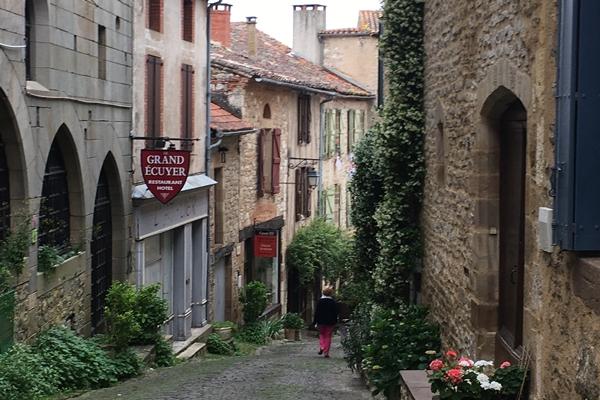 コルド・シュル・シエル 空の上の城塞都市 Cordes sur Ciel フランス