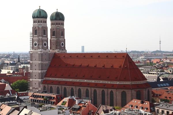 フラウエン教会 (Frauenkirche)