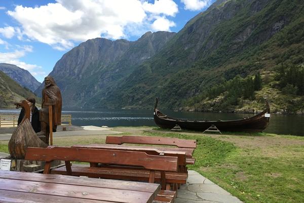 ノルウェー バスの旅 ゴールからラルダール経由グドバンゲン