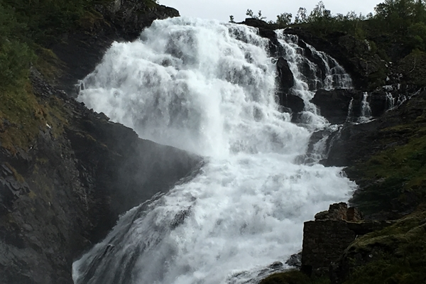 ショスの滝