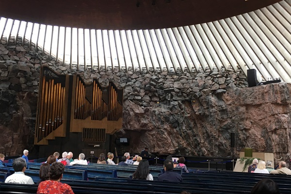 テンペリアウキオ教会 (Temppeliaukio Church / Rock Church)